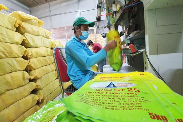 đóng gói gạo ST25